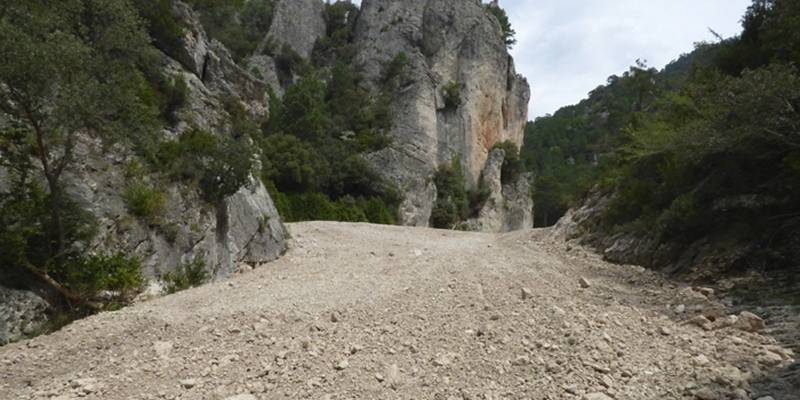 El Parc Natural dels Ports recupera l'hàbitat fluvial del barranc de la Fou, a la Sénia