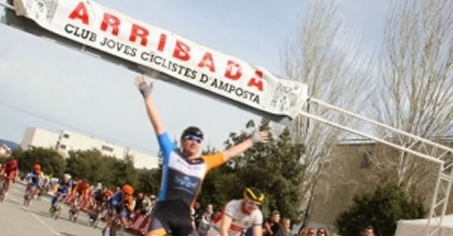 El castellonenc Gabriel Hernández s'emporta el 7è Trofeu de Ciclisme Ciutat d'Amposta