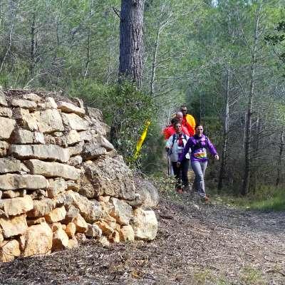 El 51è camí de muntanya FEEC a Miravet (5a Vegueria) entre el castell i el riu