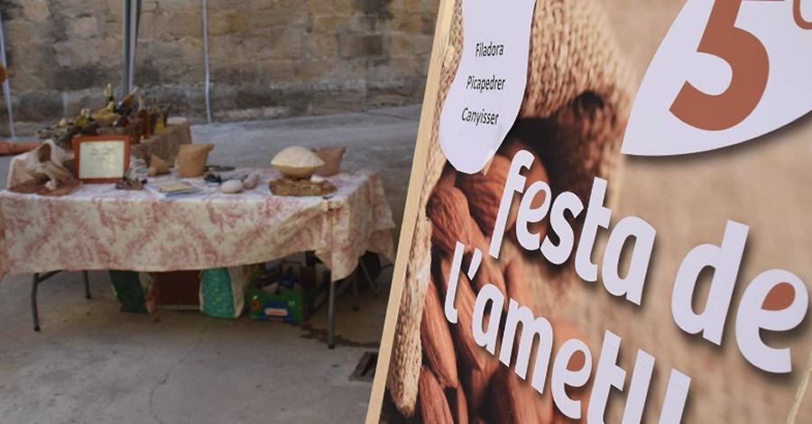 Cinquena edició de la Festa de l'Ametlla de la Pobla de Massaluca