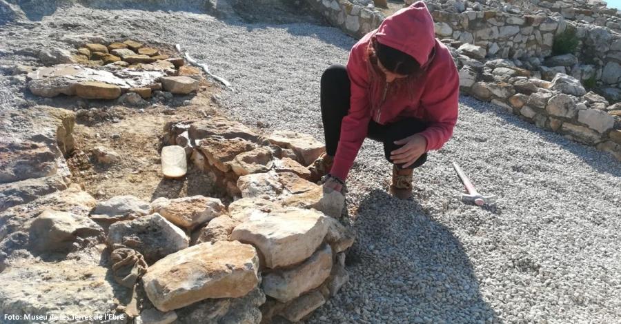 Comencen les obres de millora i conservació al jaciment ibèric de la Moleta del Remei   EbreActiu.cat, revista digital per a la gent activa   Terres de l