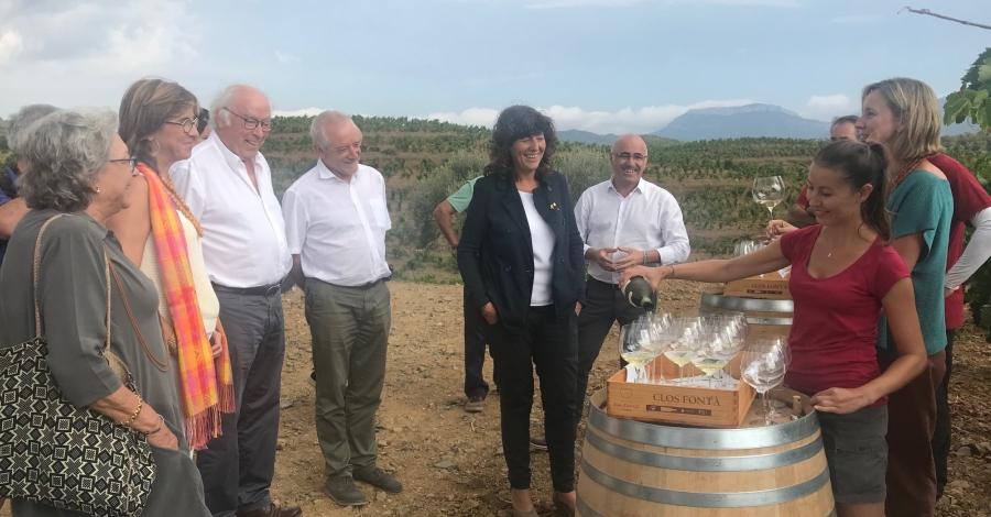 La consellera Teresa Jordà dóna la benvinguda a la verema 2018 lliurant el reconeixement de nous vins de finca al Priorat | EbreActiu.cat, revista digital per a la gent activa | Terres de l
