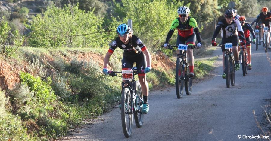 Prop de 300 bikers participen en la 10a edició de l´A per la cabra BTT de Tivissa