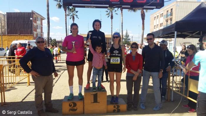 Azziz El Jihaoui i Cèlia Callarisa guanyen la 6a Cursa del Pont de Deltebre | EbreActiu.cat, revista digital per a la gent activa