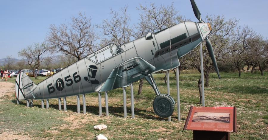 La Sénia acull centenars de visitants a la Diada Commemorativa del Camp d'Aviació