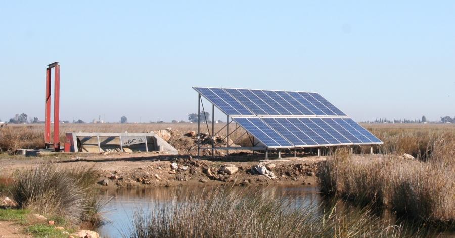 Una estació de bombament amb energia solar permet reduir la salinització de la llacuna de l'Encanyissada