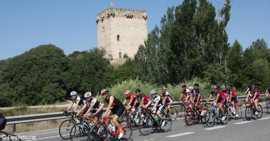 Els ciclistes ebrencs es manifesten contra els accidents en carretera