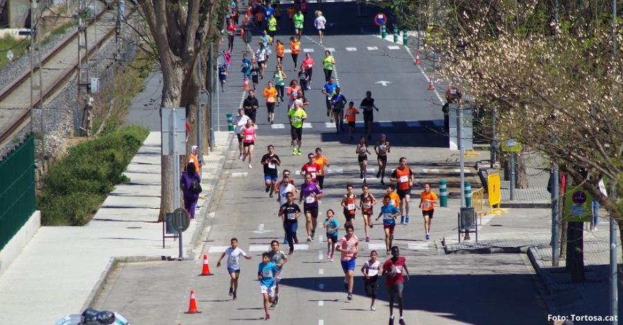 Més de 500 persones prenen part a la tradicional Cursa Popular i Caminada Ciutat de Tortosa