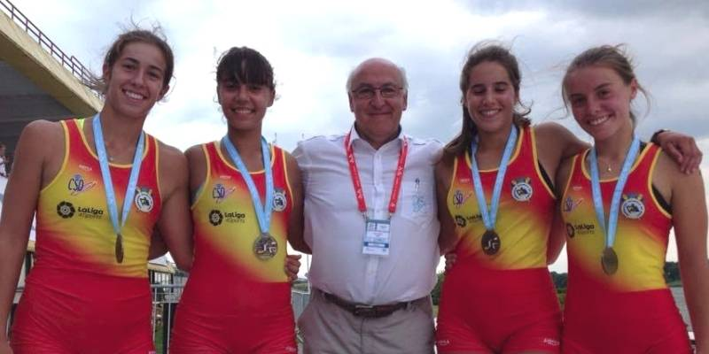 Núria Puig i Damaris Beltri, del Nàutic Amposta, medalla d'or amb la selecció espanyola de rem