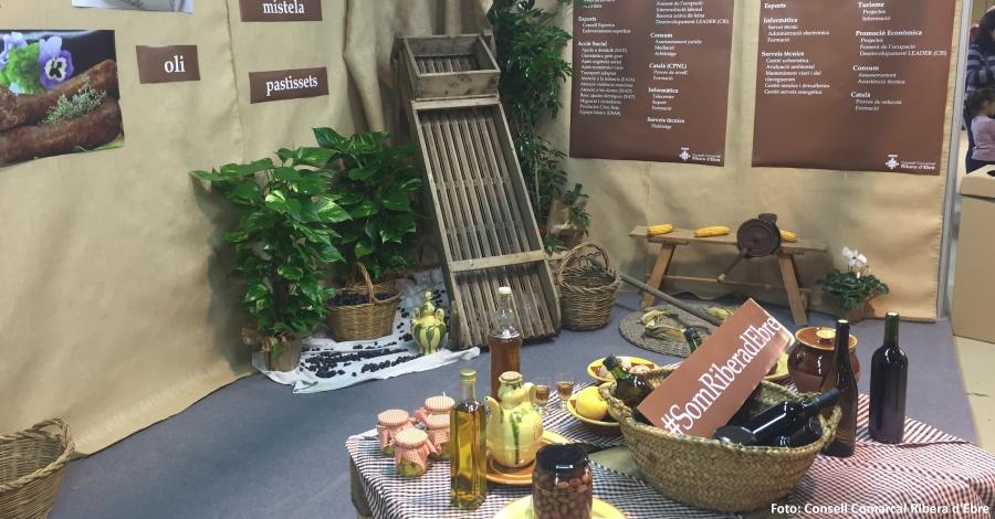 Els productes de la Ribera d´Ebre es promocionen a la Fira de Móra la Nova