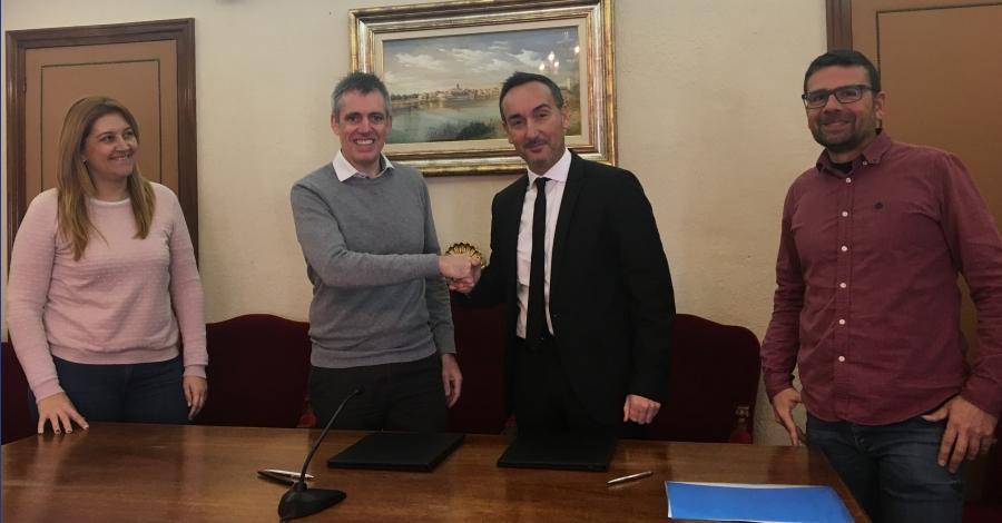 La Generalitat i l'Ajuntament d'Amposta signen un nou conveni per a la gestió de l'edifici de l'embarcador | EbreActiu.cat, revista digital per a la gent activa