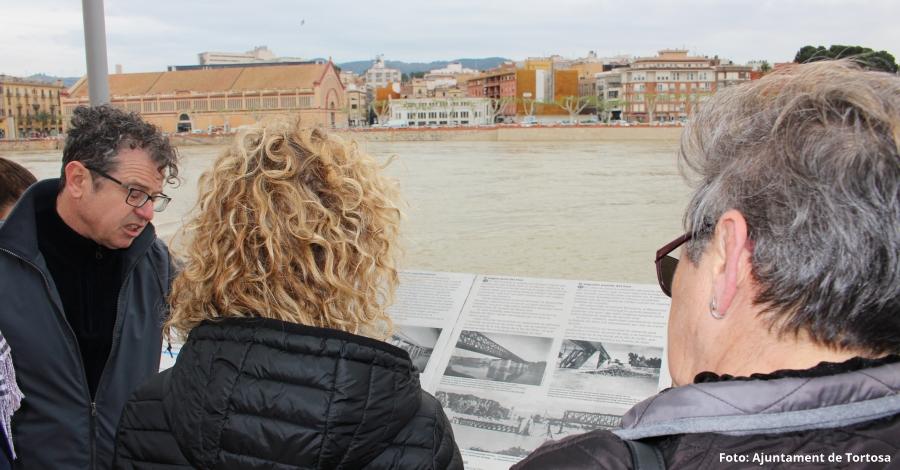 Tortosa instal·la plafons turístics que interpreten la història dels ponts de la ciutat | EbreActiu.cat, revista digital per a la gent activa
