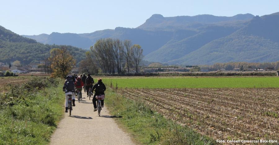 Empresaris turístics visiten les Vies Verdes de Girona per promoure el cicloturisme a les Terres de l'Ebre