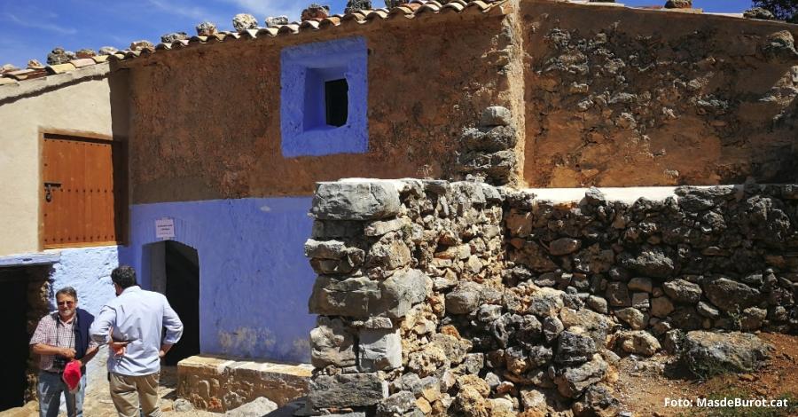 Un centenar de visitants al Mas de Burot en la jornada de portes obertes